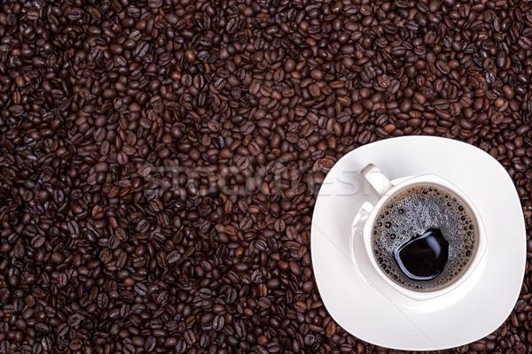 Kahve çekirdekleri beyaz fincan sıcak içecek gıda ahşap Stok fotoğraf © tarczas