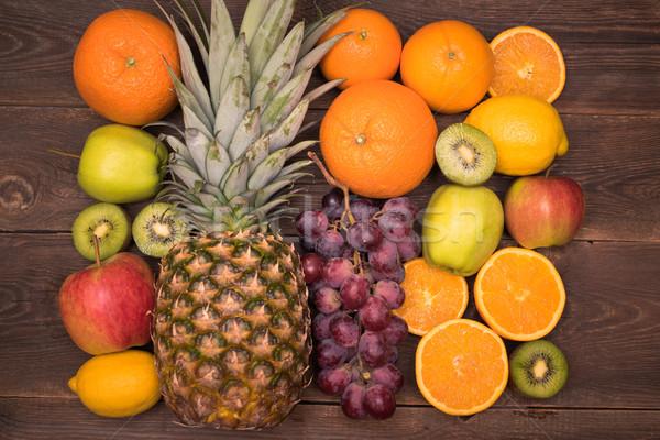 ízletes gyümölcs narancs kiwi szőlő almák Stock fotó © tarczas