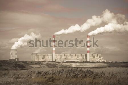 ストックフォト: 白 · 危険 · 煙 · 石炭 · 発電所 · 煙突