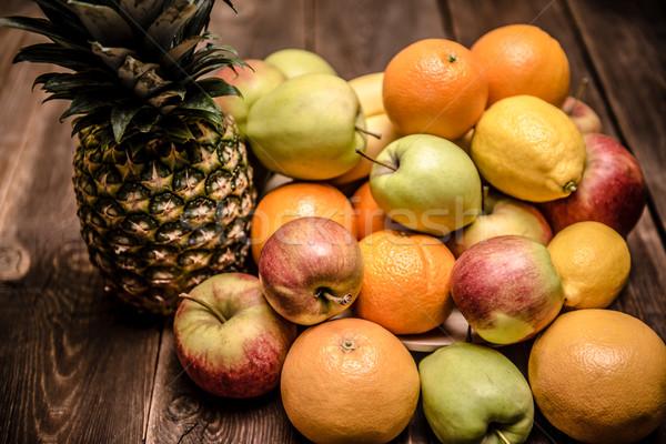 Saboroso fruto laranja maçãs ananás banana Foto stock © tarczas