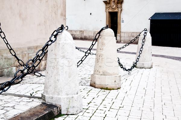Steen barricaderen keten staal beton bescherming Stockfoto © tarczas