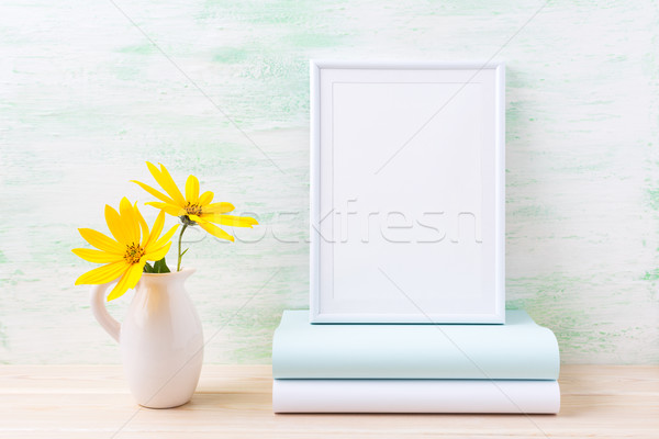 Bianco frame due profondità giallo Foto d'archivio © TasiPas