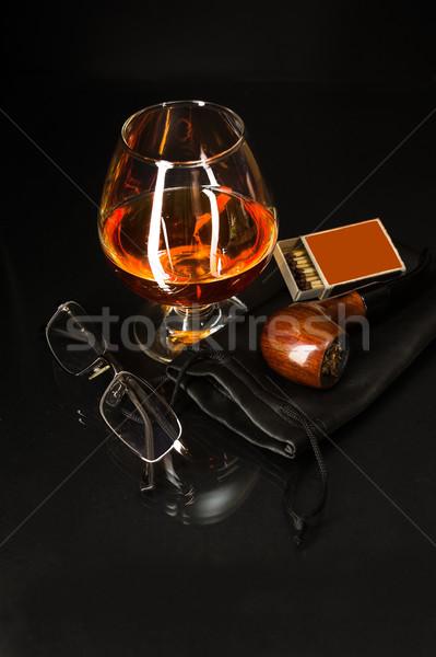 Whisky vidrio fumar tubería coñac brandy Foto stock © TasiPas