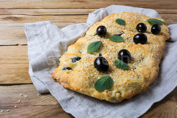 Italiano de oliva pan casero tradicional rústico Foto stock © TasiPas