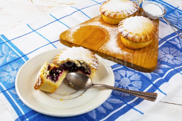 édes pite vágódeszka lekvár kicsi desszert Stock fotó © TasiPas
