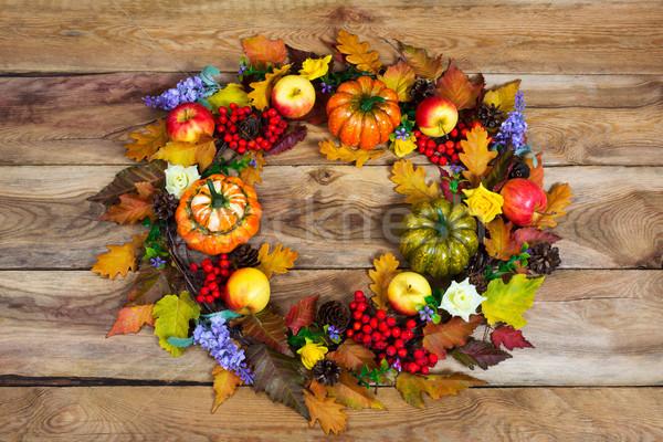 Hálaadás koszorú színes ősz levelek orgona Stock fotó © TasiPas