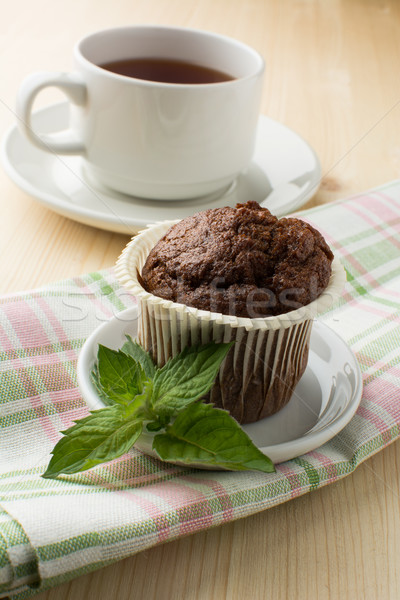 Bolinho chá chocolate branco prato de Foto stock © TasiPas