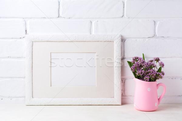 Witte landschap frame paars bloemen Stockfoto © TasiPas