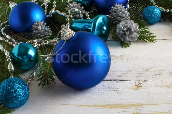 Noel mavi süsler gümüş boncuk çam Stok fotoğraf © TasiPas