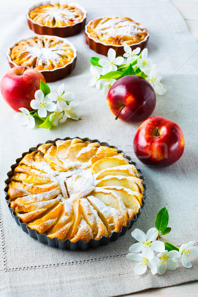 Eigengemaakt appeltaart verticaal appel cake zoete Stockfoto © TasiPas