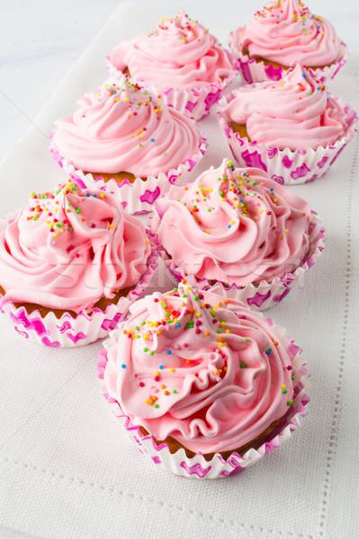 Rózsaszín minitorták vászon szalvéta születésnap házi készítésű Stock fotó © TasiPas