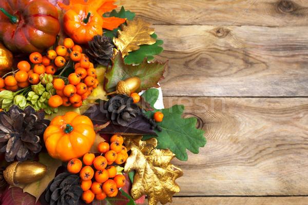 ősz egyezség tökök bogyók őszi levelek oldal Stock fotó © TasiPas