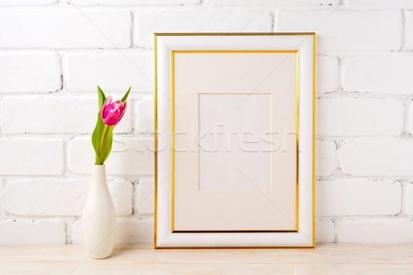 Or décoré cadre magenta rose Photo stock © TasiPas