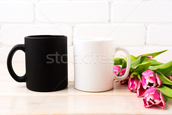 Blanche noir mug magenta rose Photo stock © TasiPas