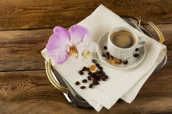 Kahve fincanı beyaz pembe orkide kahve molası sabah Stok fotoğraf © TasiPas
