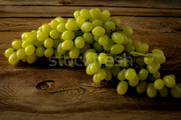 Bunch of grapes Stock photo © TasiPas