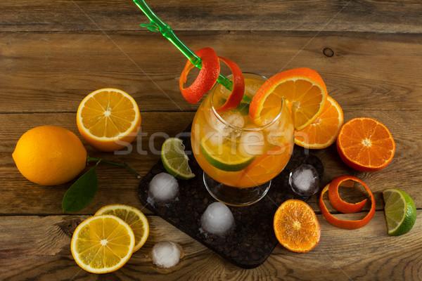 Frescos agrios beber mesa de madera frutas limonada Foto stock © TasiPas