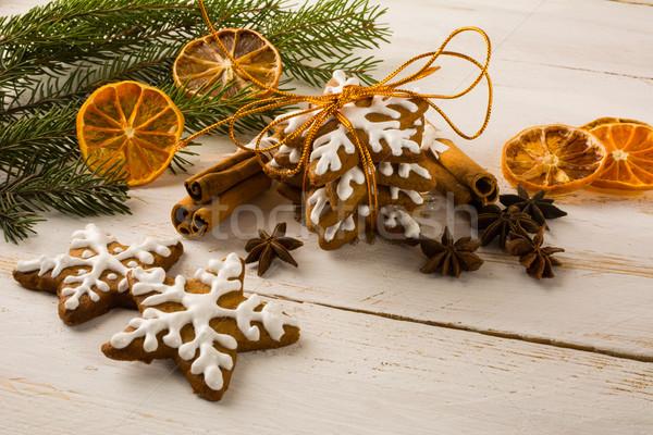 Christmas wisienką Snowflake cookie piernik cynamonu Zdjęcia stock © TasiPas