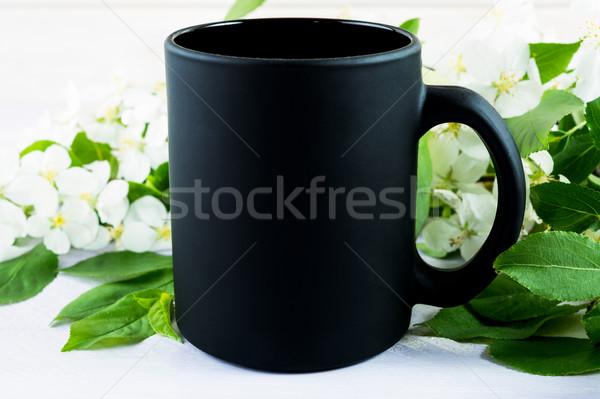 Café preto caneca maçã flor vazio Foto stock © TasiPas