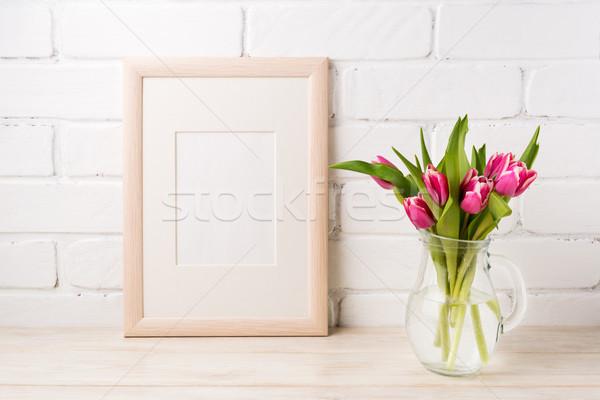 Moldura de madeira magenta rosa tulipas vidro Foto stock © TasiPas
