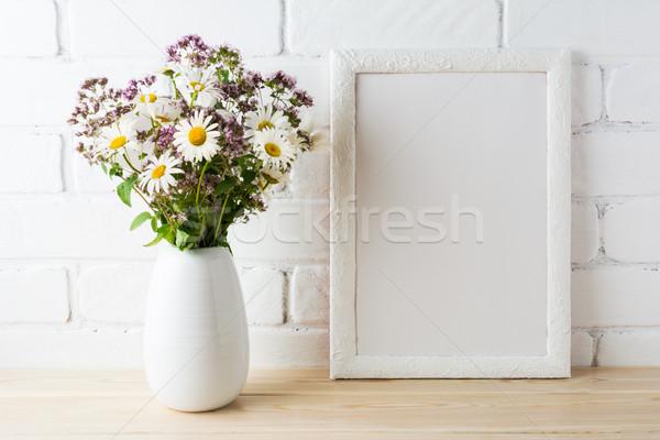 белый кадр диких цветов букет Сток-фото © TasiPas