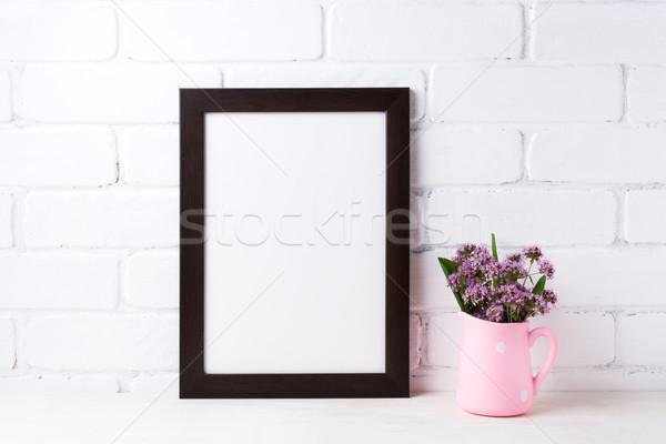 Noir brun cadre pourpre fleurs Photo stock © TasiPas