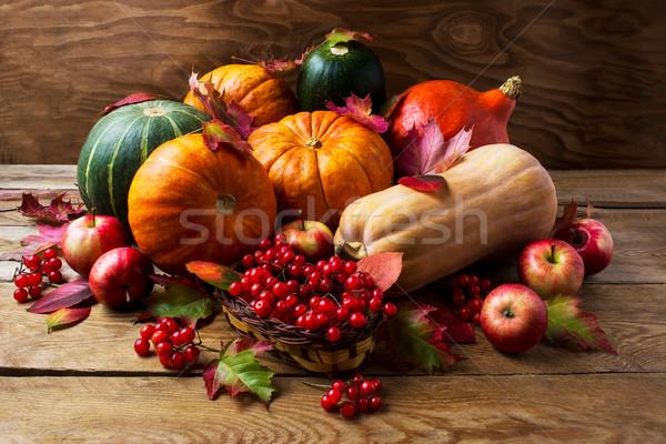 ősz tökök almák bogyók hálaadás szezonális Stock fotó © TasiPas