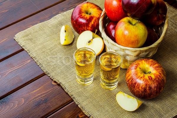 яблоко бренди красный яблоки деревенский плетеный Сток-фото © TasiPas
