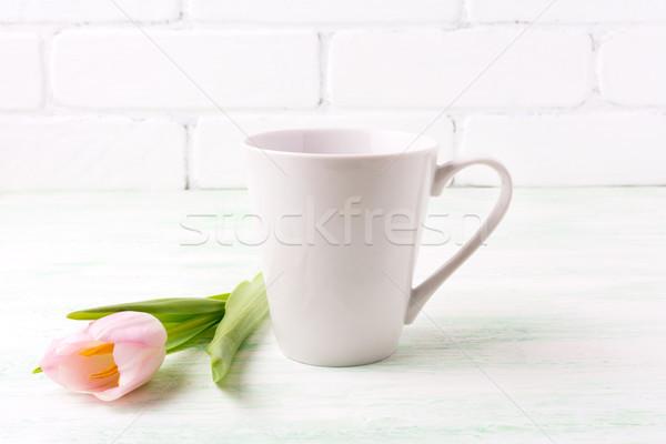 Branco café caneca rosa tulipa Foto stock © TasiPas