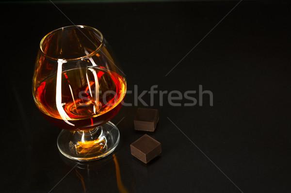 Brandy vidrio chocolate negro coñac whisky Foto stock © TasiPas