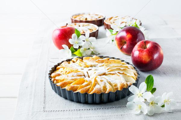 Eigengemaakt appeltaart rijp appels zoete Stockfoto © TasiPas