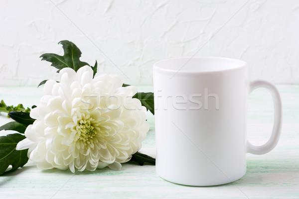 Beyaz kahve kupa krizantem boş kupa Stok fotoğraf © TasiPas