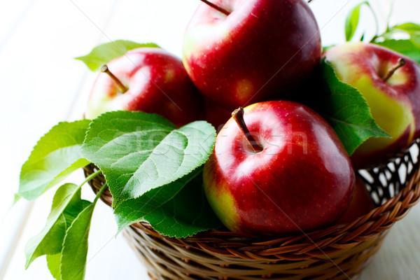 Frescos jugoso rojo manzanas maduro Foto stock © TasiPas