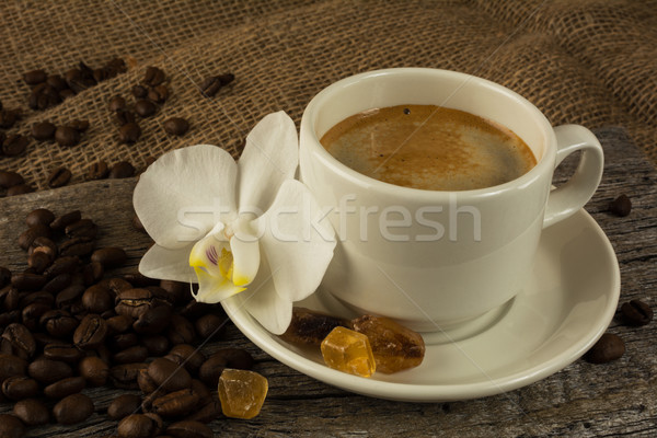 Photo stock: Blanche · tasse · fort · matin · café · grains · de · café