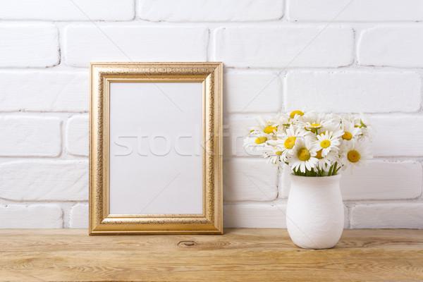 Dourado quadro camomila buquê rústico Foto stock © TasiPas