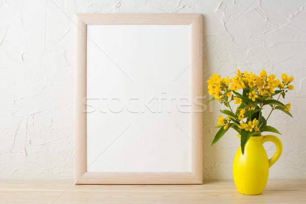 Ramki żółte kwiaty stylizowany Wazon plakat Zdjęcia stock © TasiPas