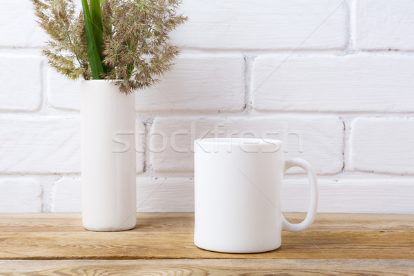 Blanche tasse de café herbe feuilles vertes cylindre Photo stock © TasiPas