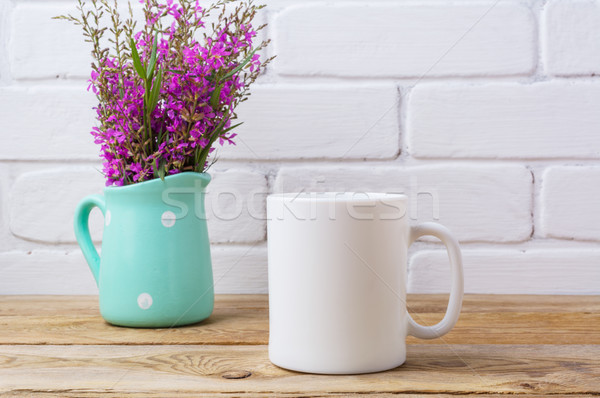 Photo stock: Blanche · tasse · de · café · marron · pourpre · fleurs