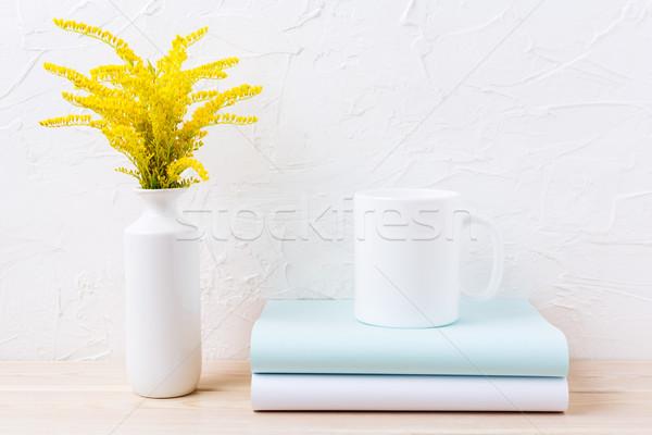 белый кружка кофе декоративный желтый цветения Сток-фото © TasiPas