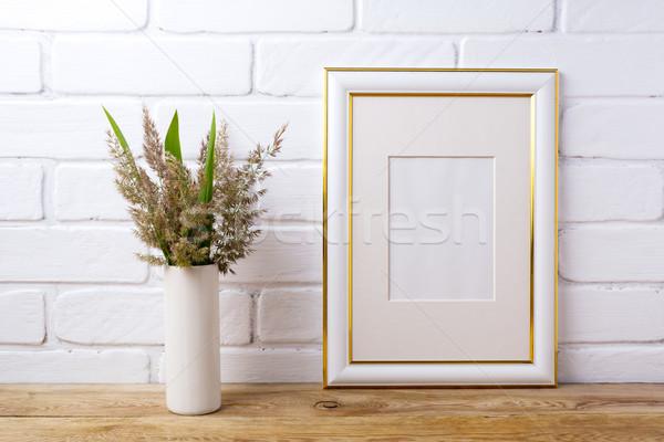 Goud ingericht frame gras groene bladeren Stockfoto © TasiPas