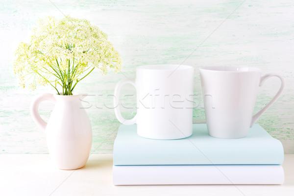 Blanco café flores silvestres vacío taza Foto stock © TasiPas