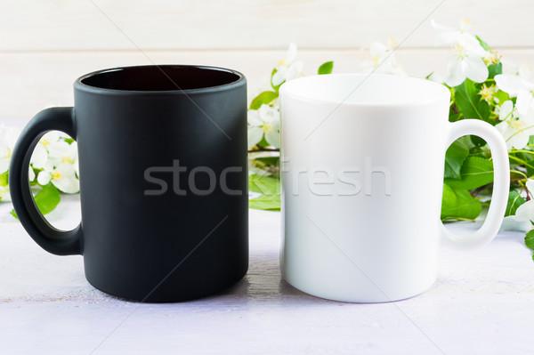 Bianco nero mug mela fiore Foto d'archivio © TasiPas