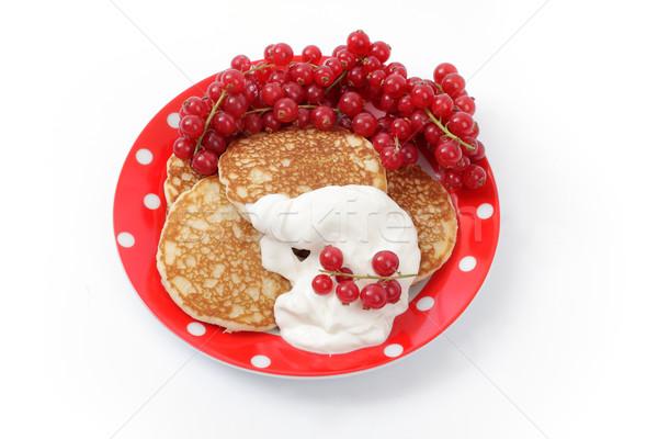 Panna acida rosso ribes piatto bianco dessert Foto d'archivio © Tatik22