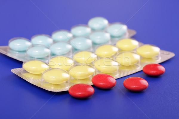 Tıbbi kalp tıp kırmızı ilaçlar eczane Stok fotoğraf © Tatik22