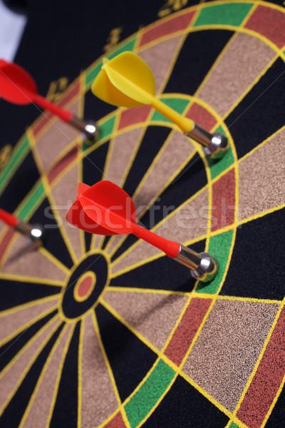 Geel Rood magnetisch darts target Stockfoto © Tatik22