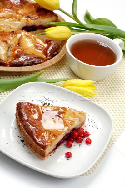 Tulipany kawałek szarlotka ciasto herbaty Zdjęcia stock © Tatik22