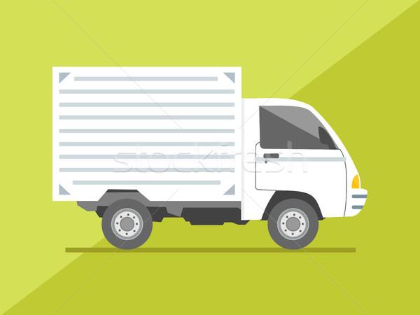 Foto stock: Isolado · vista · lateral · pequeno · caminhão · de · entrega · carga · entrega