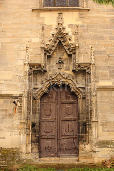 Entrada velho gótico igreja secundário pormenor Foto stock © taviphoto