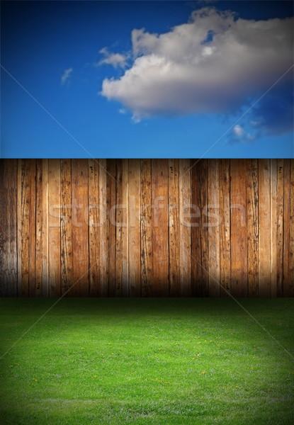 Fából készült kerítés udvar gyönyörű öreg zöld Stock fotó © taviphoto