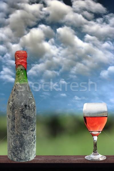 Edad vid pantalla botella vidrio naturaleza Foto stock © taviphoto